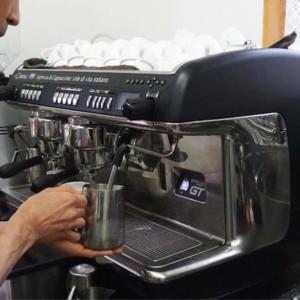 コーヒーと炭酸水